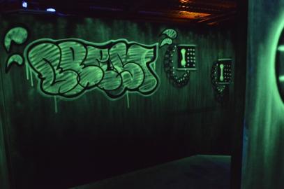 decoration murale fluo lumiere noire